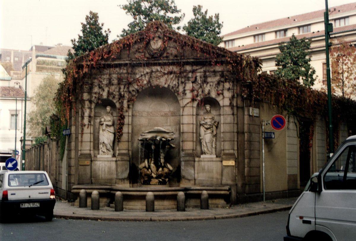 fontana dei tritoni di via romagnosi fontane di milano