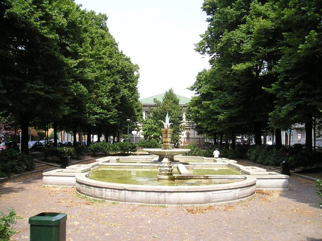 Fontana di via benedetto marcello porta venezia for Fontana arredamenti milano via tibaldi